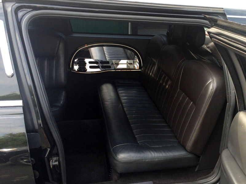 10 passenger stretch limousine interior transportation mn