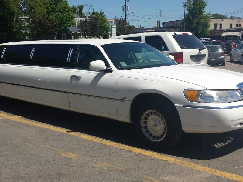 8 person limo transportation mn